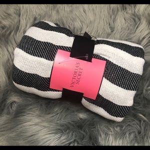 VICTORIA SECRET THROW